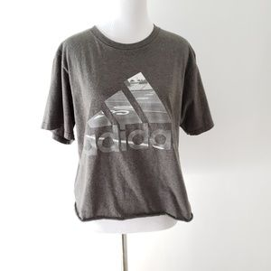 Adidas med gray SS cropped t-shirt w/track graphic